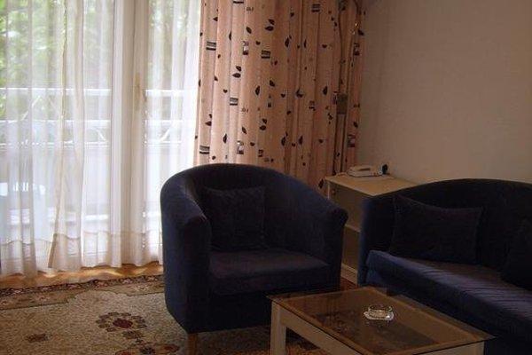 ADIS Holiday Inn Hotel - фото 7