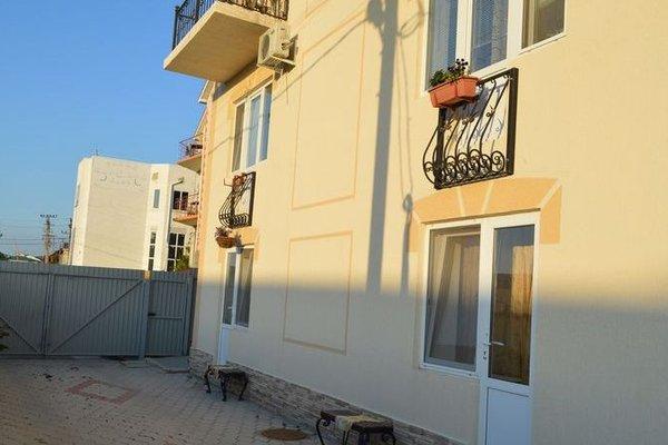 Гостевой Дом Четыре Лилии - 12