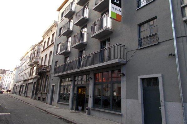 Brxxl 5 City Centre Hostel - фото 22
