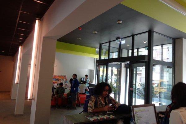 Brxxl 5 City Centre Hostel - фото 6