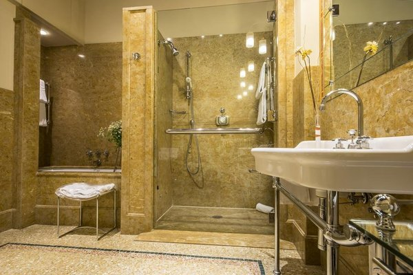 Hotel Corona d'Oro - фото 8