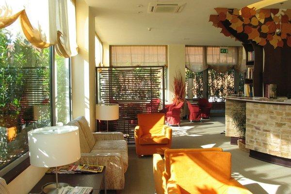 Executive Suite Hotel - фото 5