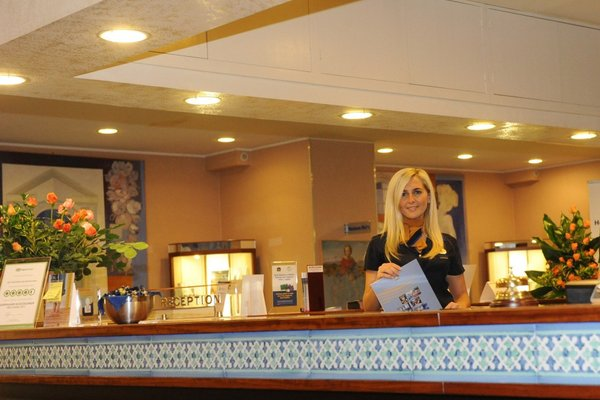 Best Western Hotel Mediterraneo - 17