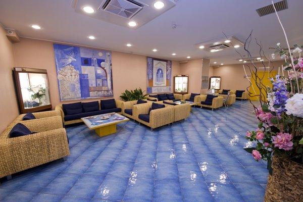 Best Western Hotel Mediterraneo - 8