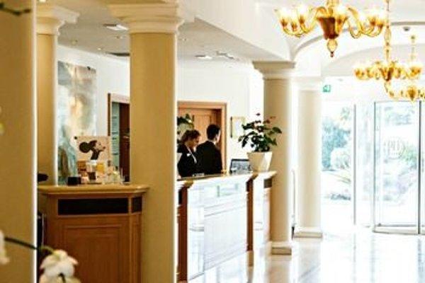 Palace Hotel - фото 14
