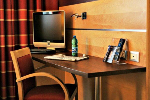 Best Western Palace Inn Hotel - 3