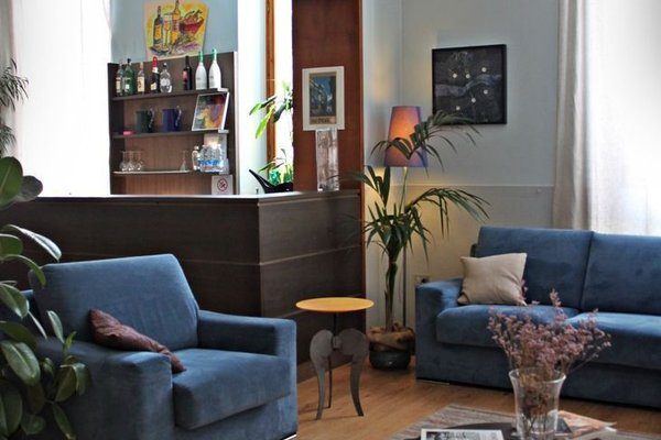 Hotel Magenta - 10