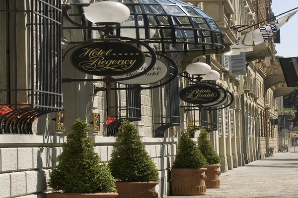 Hotel Regency-Small Luxury Hotels of the World - фото 17