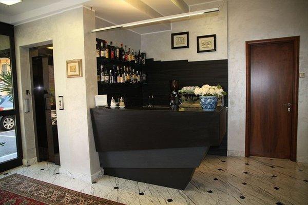 Hotel Iris - 11