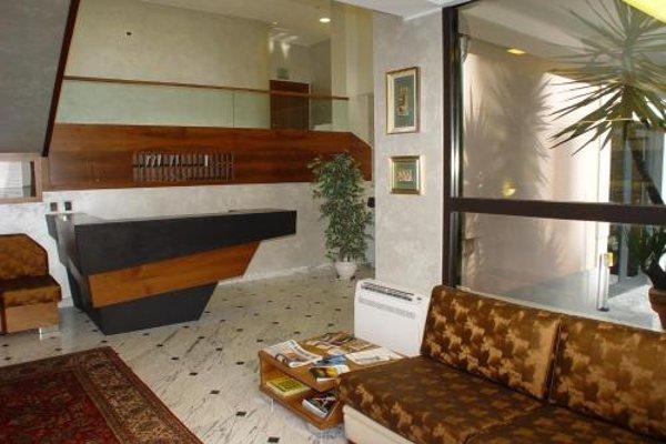 Hotel Iris - 6