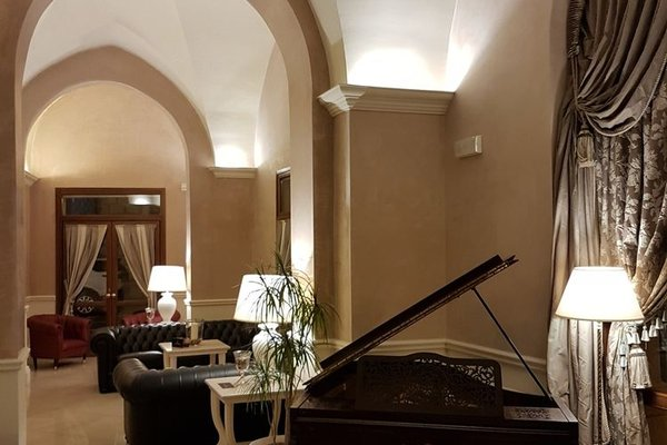 Suite Hotel Santa Chiara - фото 13