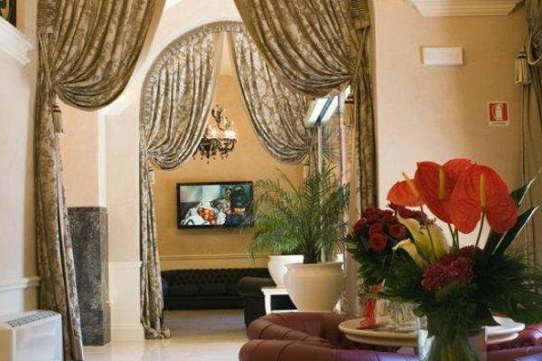 Suite Hotel Santa Chiara - фото 4