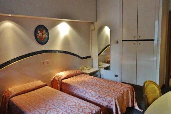 Hotel Pagoda - 5