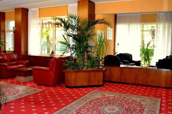 Hotel Embassy - фото 15
