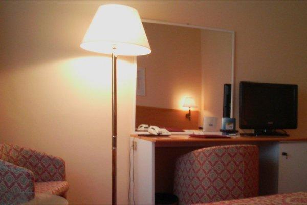 Delta Hotel - фото 11
