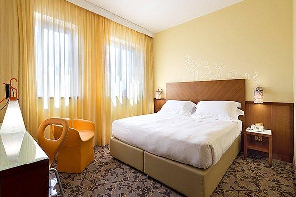 UNA Hotel Mediterraneo - фото 16