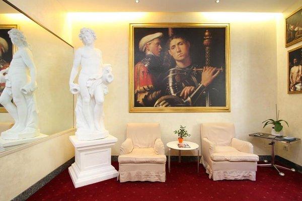 Club Hotel - 50