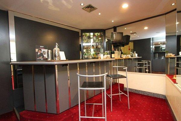 Club Hotel - 12