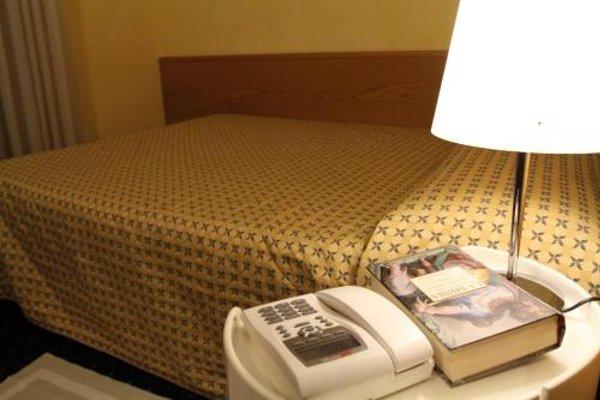 Club Hotel - 4