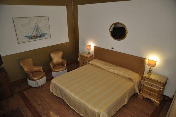 Admiral Hotel - 8