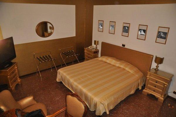 Admiral Hotel - 9