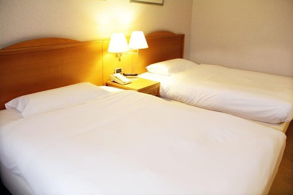 IH Hotels Milano Lorenteggio - фото 4