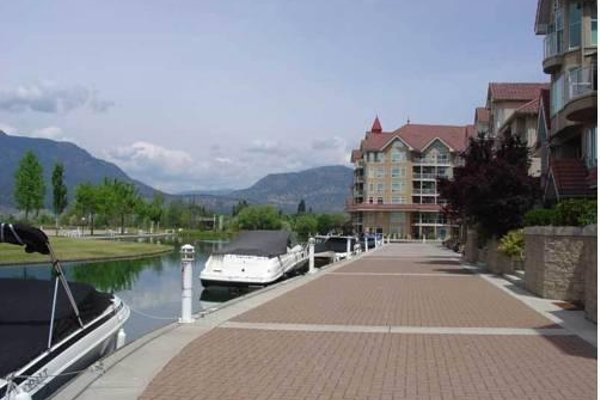 Ogopogo Suite At Sunset Waterfront Resort - фото 22