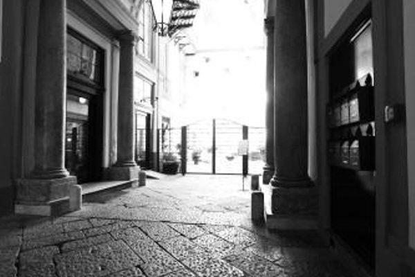 Piazza Bellini - фото 21