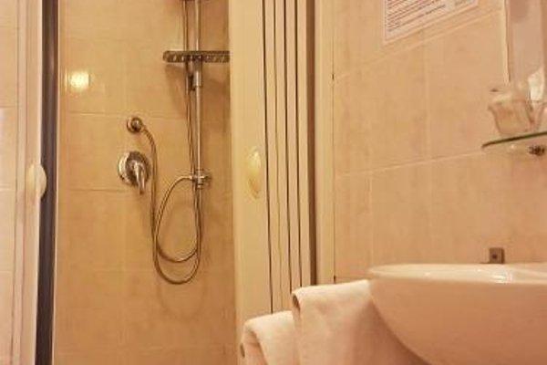 Hotel Meuble Santa Chiara Suite - 10