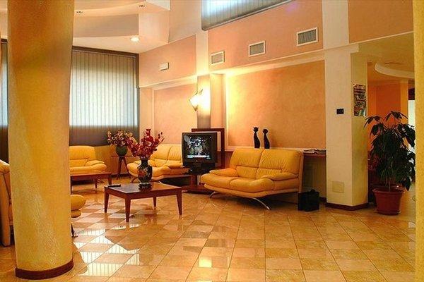 Euro Hotel - фото 11