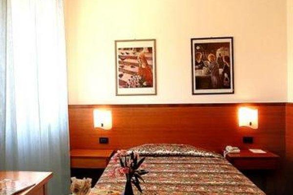 Euro Hotel - фото 4