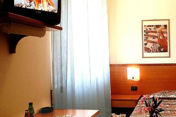 Euro Hotel - фото 6