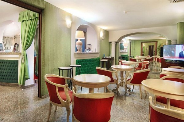 Colonna Palace Hotel Mediterraneo - 10