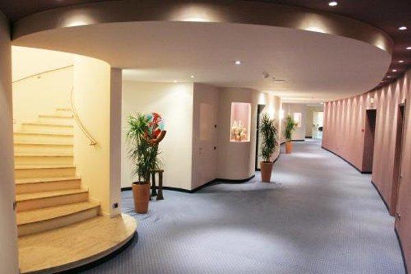 Luna Hotel Motel Airport - фото 14