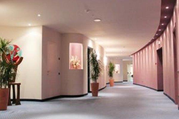 Luna Hotel Motel Airport - фото 15