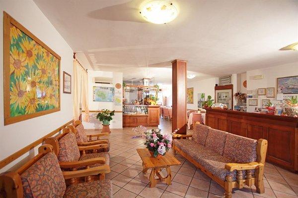 Tris Hotel - фото 5