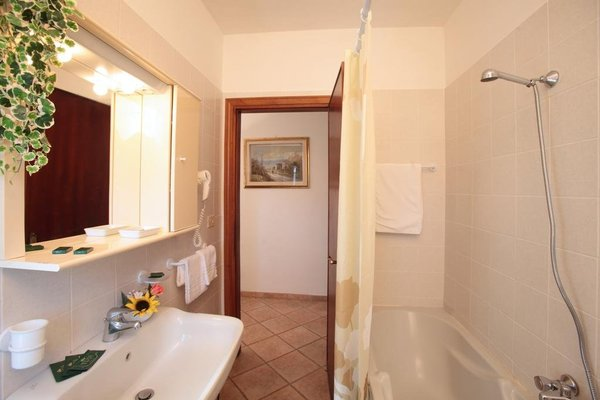 Tris Hotel - фото 7