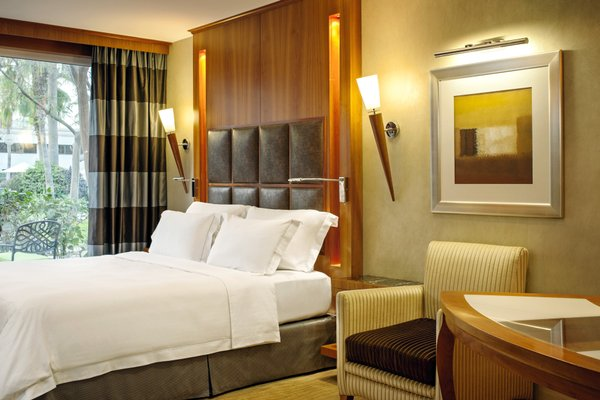 Le Meridien Dubai Hotel & Conference Centre - фото 15