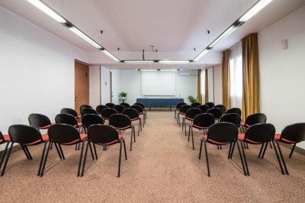 Idea Hotel Piacenza - фото 18