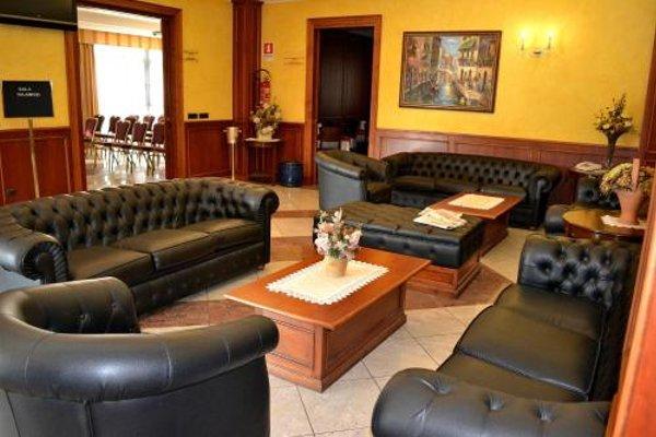 Tricolore Hotel - фото 5
