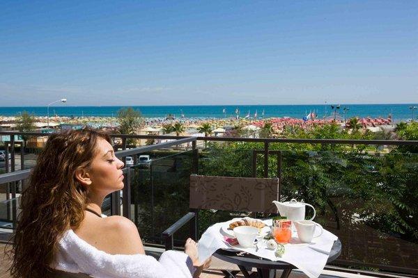 Ferretti Beach Hotel - фото 20