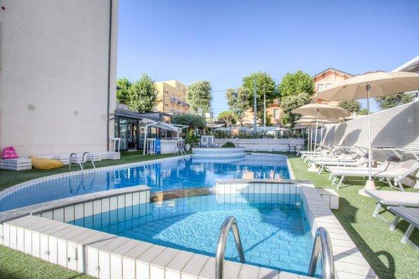 Ferretti Beach Hotel - фото 21