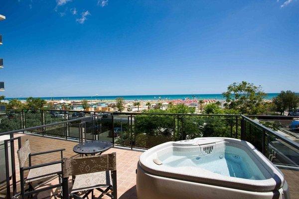 Ferretti Beach Hotel - фото 22