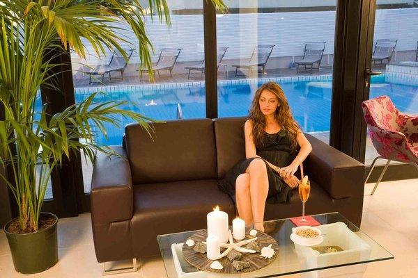 Ferretti Beach Hotel - фото 8