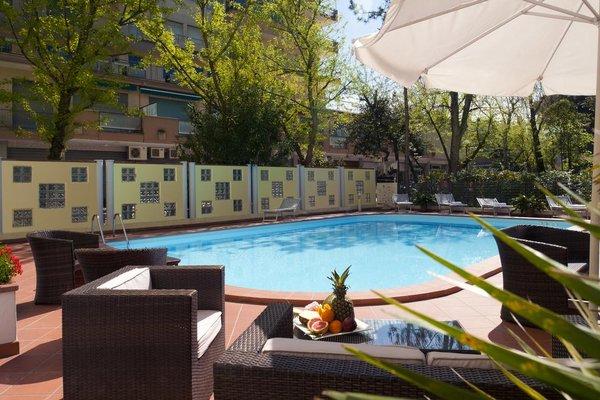 Astoria Suite Hotel - фото 22