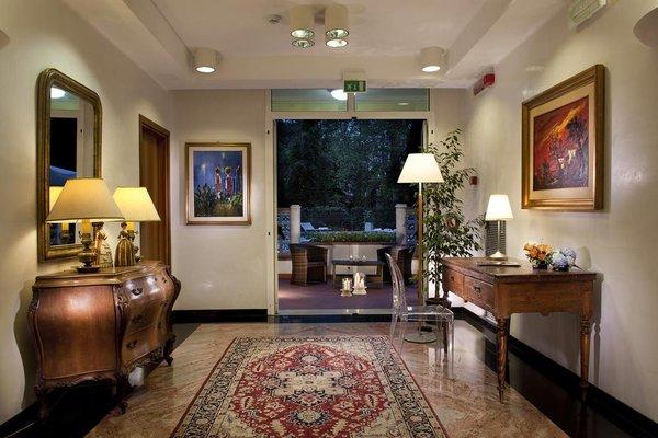 Astoria Suite Hotel - фото 4