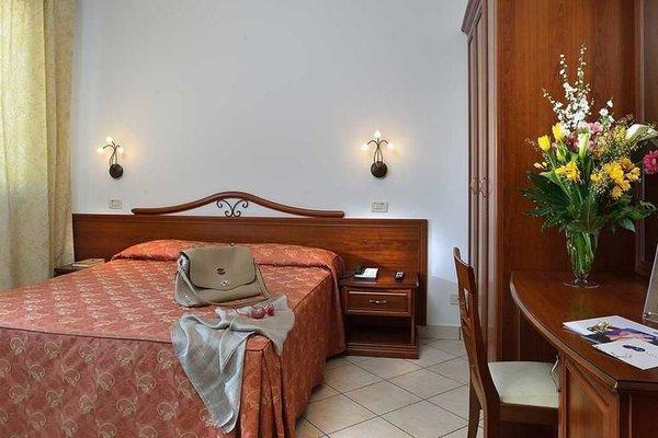 Hotel Sovrana - фото 4