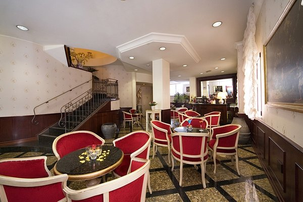 Hotel President - фото 10