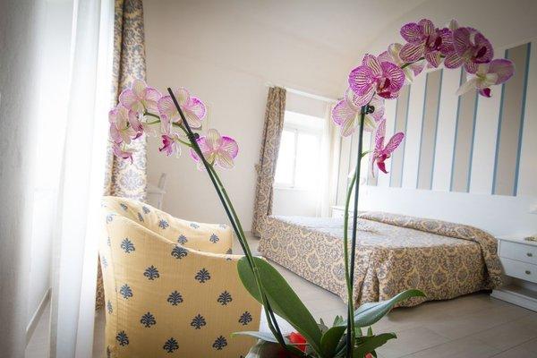 Villa Parisi Grand Hotel - 4