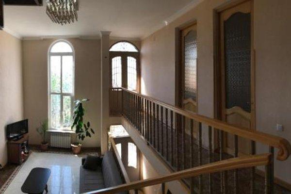Bajo Guest House - фото 10